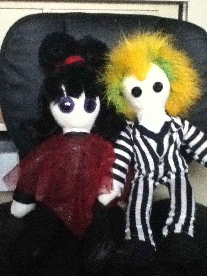 beetlejuice & lydia doll. Ahhhhh cute!