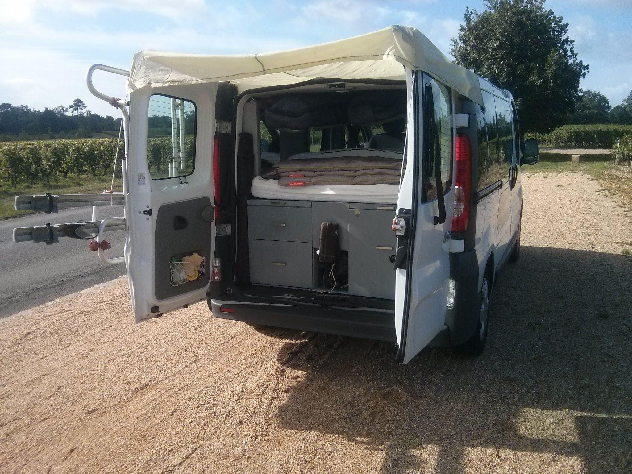 Auvent amovible pour Renault Trafic 2 portes arrières. DIY réalisé ...