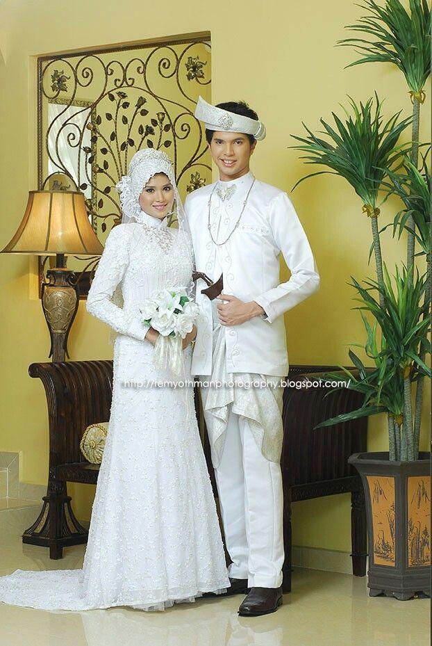 Baju Adat Melayu Modern