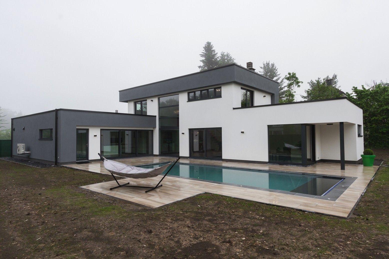 maison contemporaine à Beaufays   Hausideen in 2019   Modern house ...