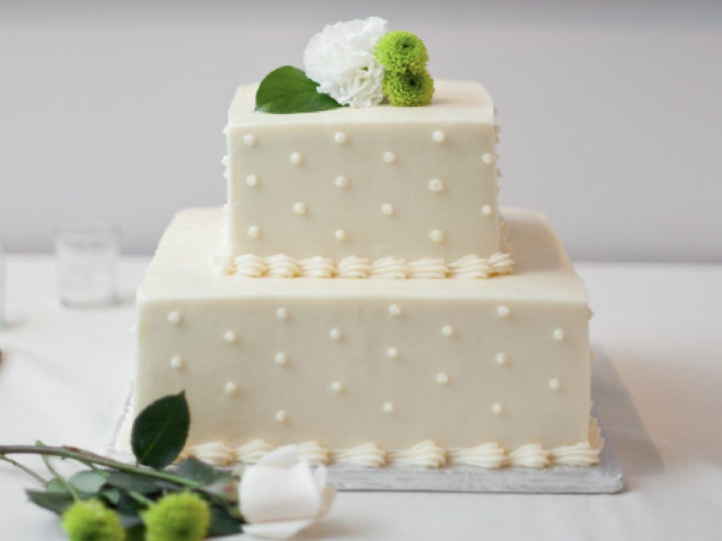 20 Most Beautiful Wedding Cakes You Ll Want To See Hallstrom Home Tiered Wedding Cake Beautiful Wedding Cakes Square Wedding Cakes