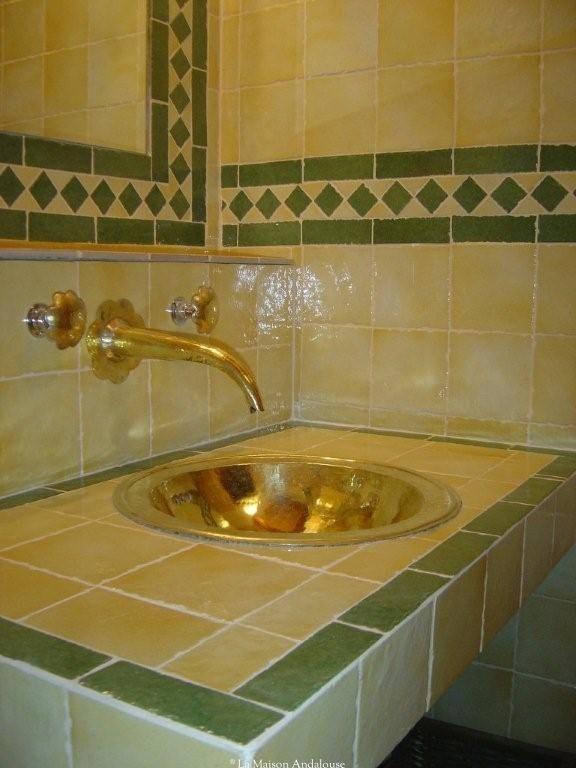 La Maison Andalouse vous propose de la décoration marocaine - meuble salle de bain fer forge