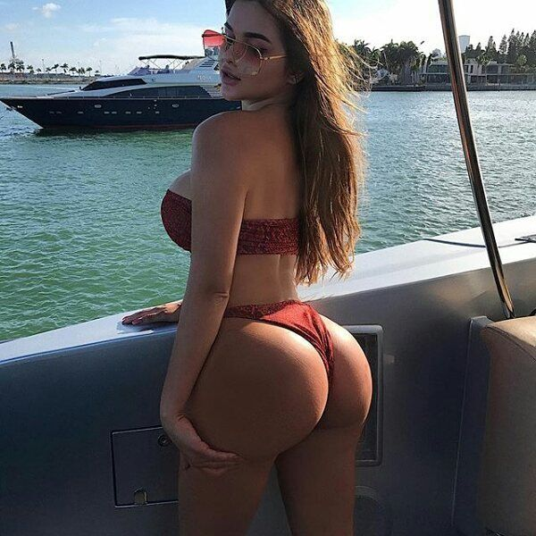 Big ass in thong