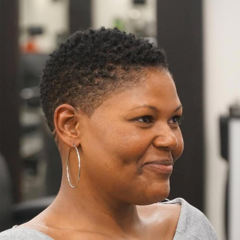 Black Women S Hairstyles Low Maintenance Blackwomenshairstyles Short Natural Hair Styles Short Natural Haircuts Natural Hair Styles Easy