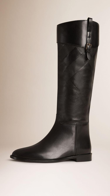 49513a98c1b71 Bottes cavalières en cuir à motif check   Shoes addict   Boots ...