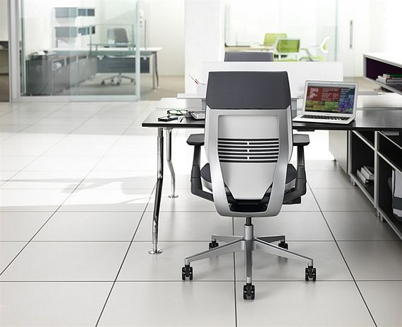 Steelcase Gesture Chair Supports Texting And Other Modern Postures Luxury Office Chairs Office Chair Contemporary Office Furniture