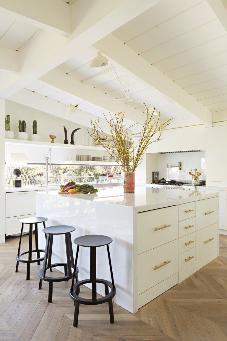 A Dark 1960s Kitchen Is Transformed into an Airy Oasis ...