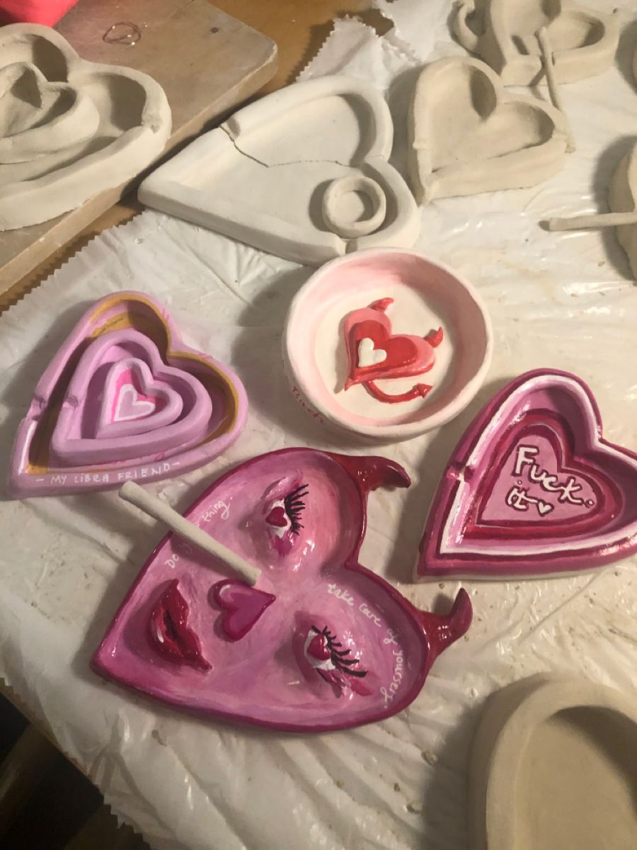 pink ashtrays and inscent burners