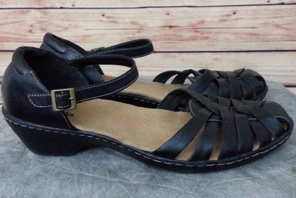 3b6c1fac5108 CLARKS shoes strappy sandals black leather low wedge womens SIZE 10M style  13288  Clarks  Strappy  Casual