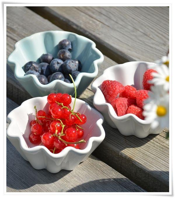 {Fabelaktig} blueberries, raspberries, ib laursen, love