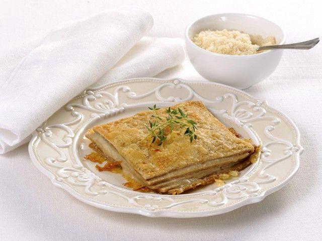 Lasagne bastarde alle due farine : Scopri come preparare questa deliziosa ricetta. Facile, gustosa e adatta ad ogni occasione. Questo primo ha un tempo di preparazione di 35 minuti.