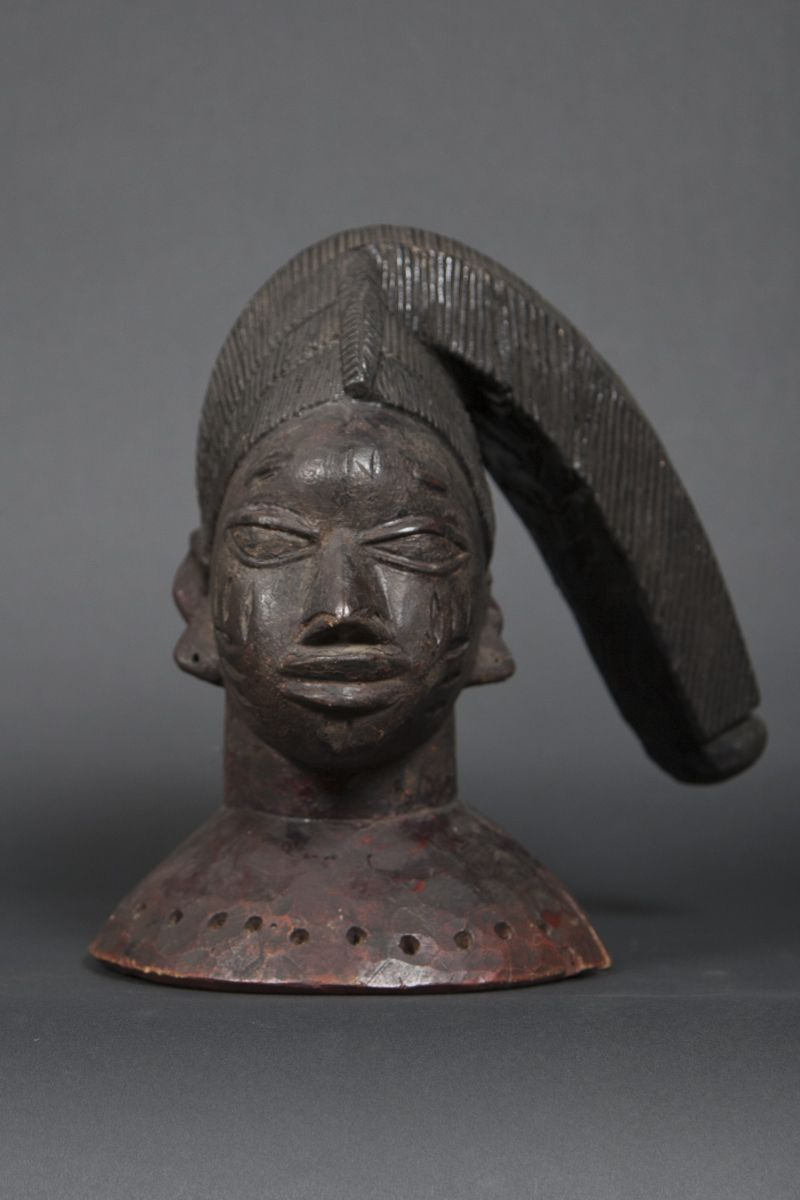 yoruba olode egungun mask Carved wood pigments Early th century