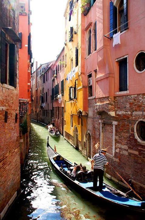 #Venice -> 3 Easy Weekend Getaways in Europe