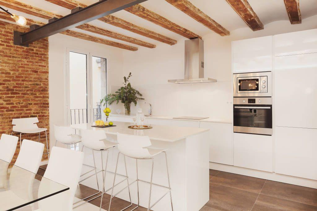 Un departamento de 90 m2 ¡madera y blanco fabuloso! (De Bárbara ...