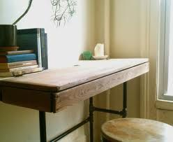 Exceptionnel Reclaimed Wood Writing Desk With Antique Salvaged Box