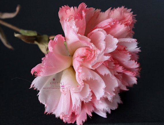 Video Tutorial How To Make Silk Carnation We Teach You How To Make Silk Flowers Inspired By Nature Http Www Silkflowe Flower Making Paper Flowers Flowers
