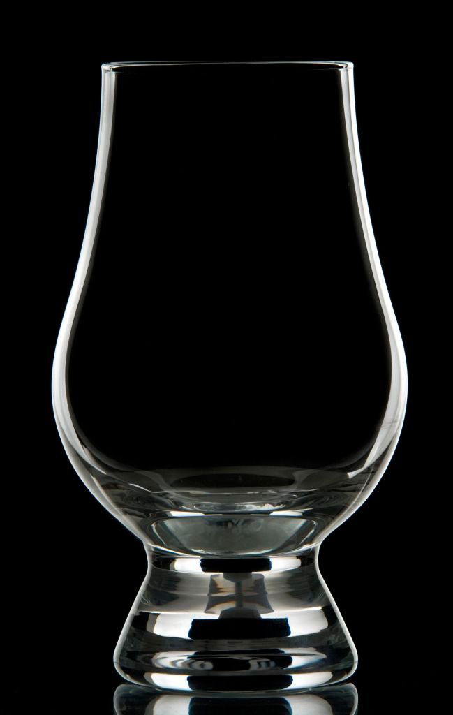 Glencairn Glass The Unique And Stylish Shape Has Been Crafted With Eminent Care To Enhance The Enjoyment Of Whisky The Taperin Whisky Whisky Glass Whiskey