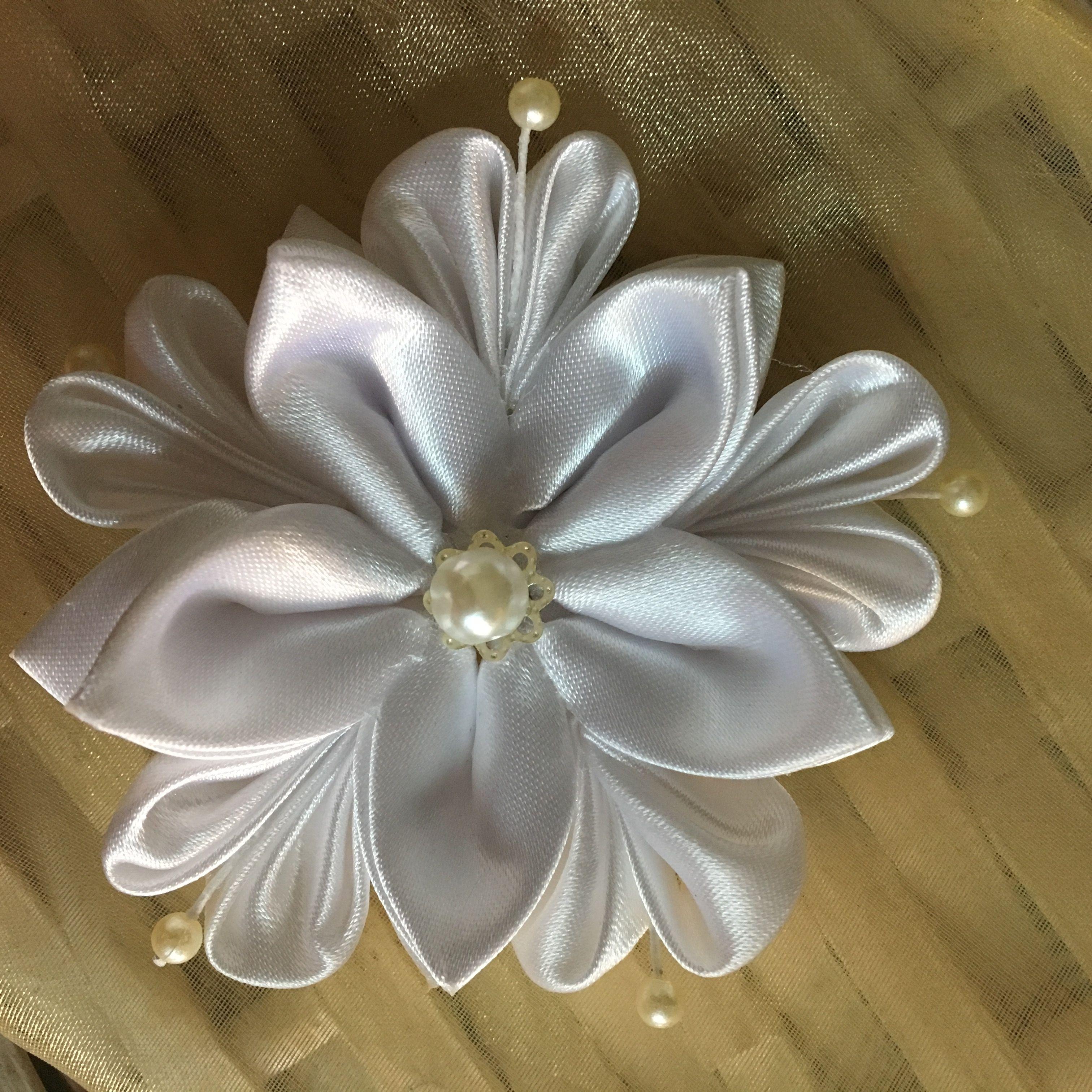 Pin by Natalia Tibiletti on My Kanzashi Flowers