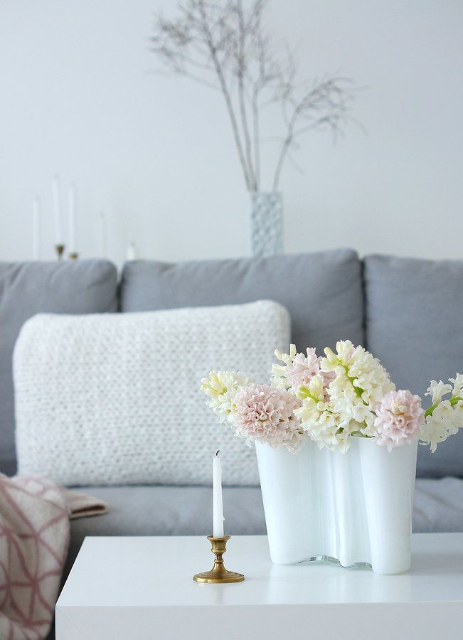 Hyazinthenzeit #interior #einrichtung #einrichtungsideen #blumen - wohnzimmer weis rosa