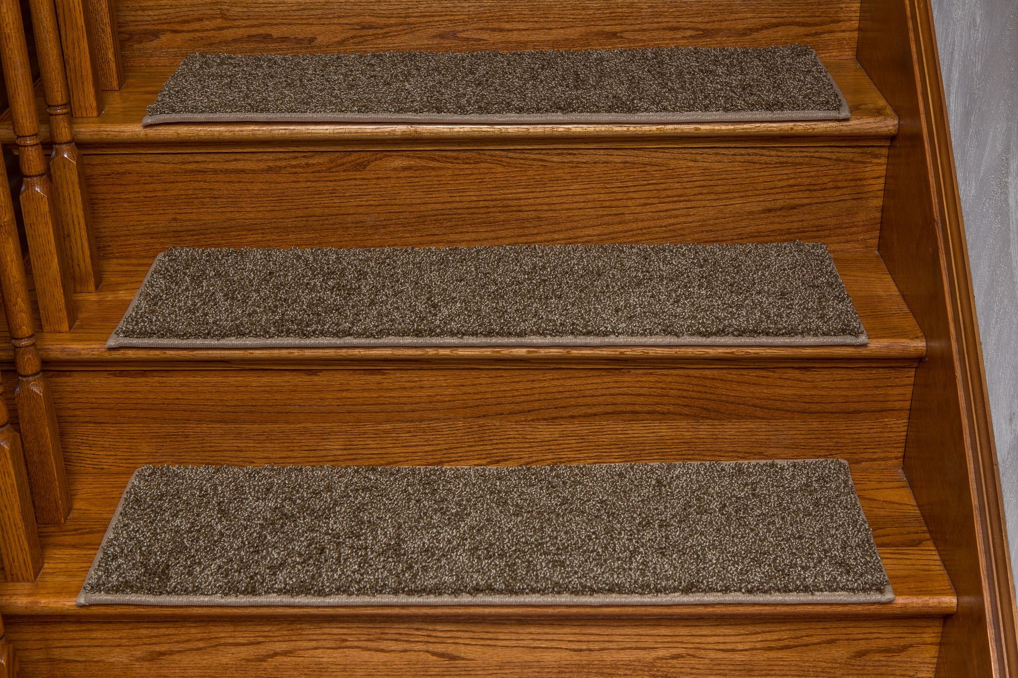 Best Windsor Adhesive Flat Carpet Stair Tread With Padding 400 x 300