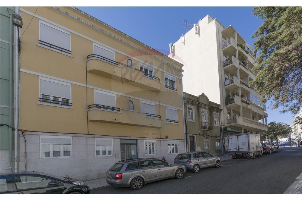 Lisboa, Alameda. Apartamento T3 com 95 m2 e terraço, renovado e pronto a entrar. Vendido em Abril por 205 mil euros. Vendido por Diogo Neto.