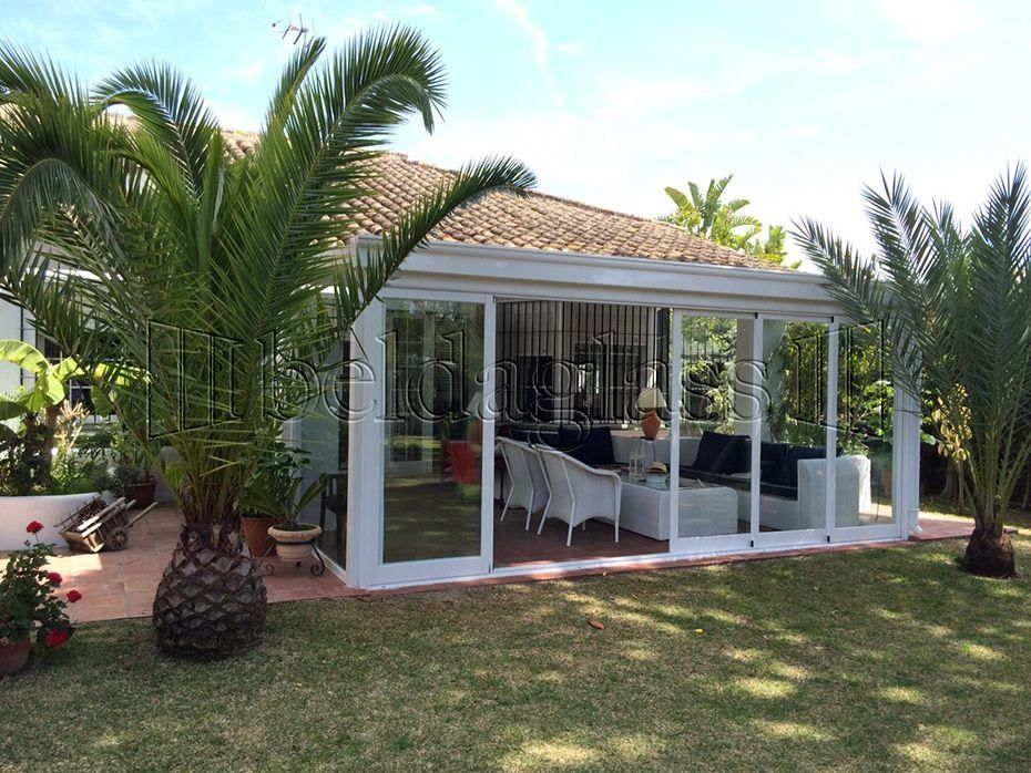 Porche acristalado en c diz con techo de panel sandwich terrazas pinterest permitiendo - Decorar un porche cerrado ...