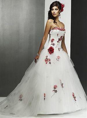 Trouwjurk Rood Met Wit.Bruidsjurk Met Rode Details Rood Thema Voor Bruiloft Rode