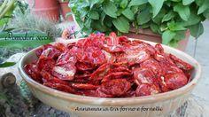 Per fare i pomodori secchi, ci vuole la varietà di pomodoro San Marzano. Possono essere utilizzati come antipasto o come condimento.