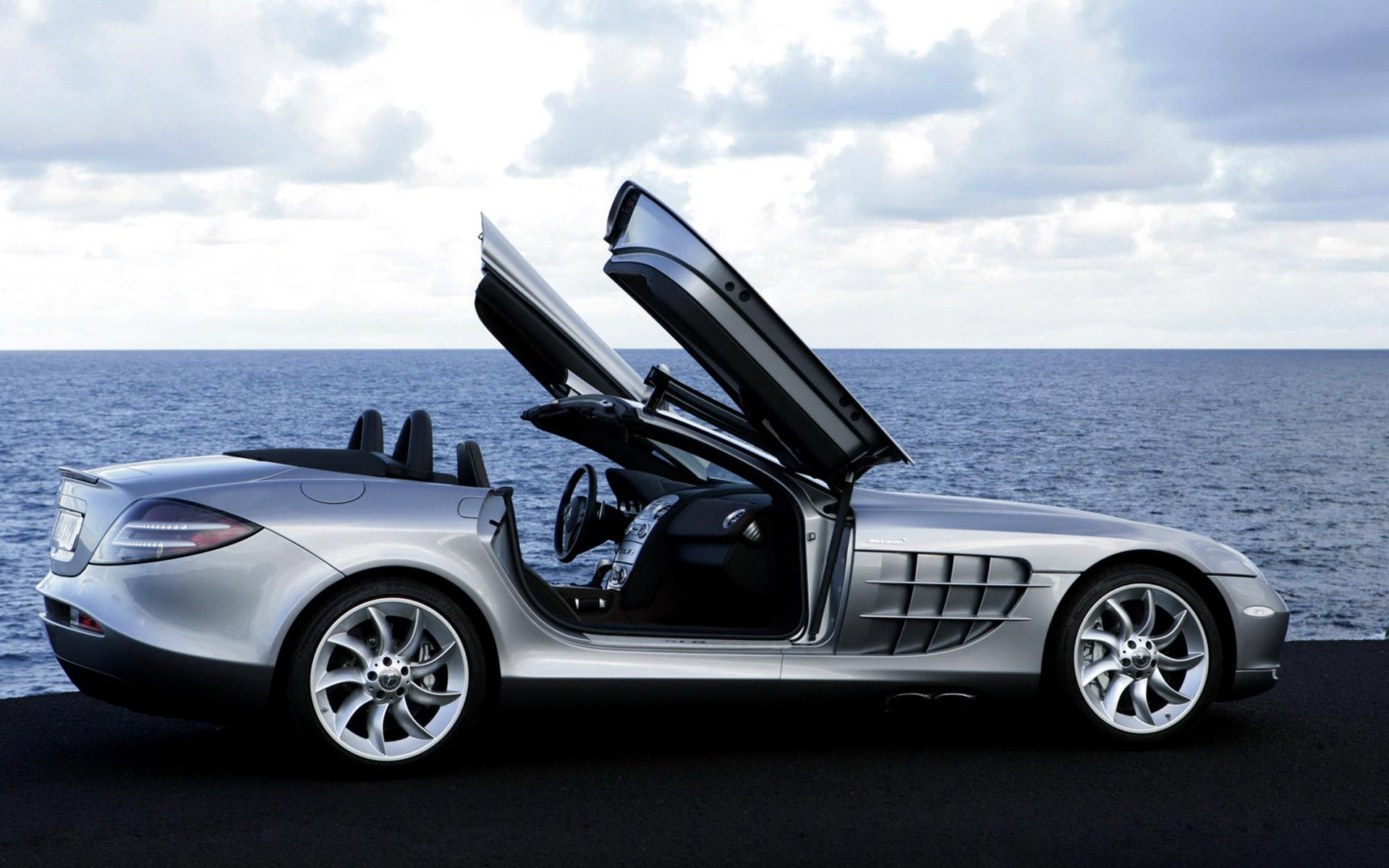 Awesome sport car mercedes benz wallpaper hd for desktop for Mercedes benz sport car