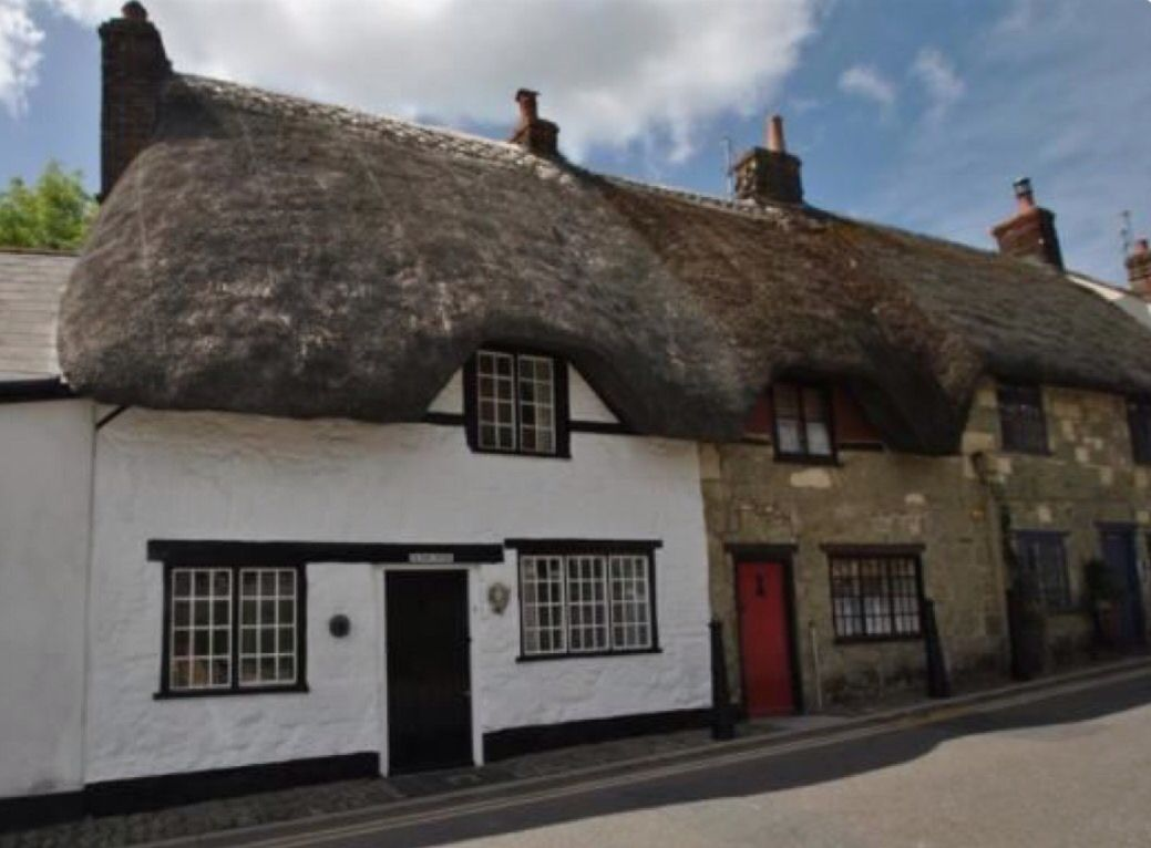 Shaftesbury, thatched cottages