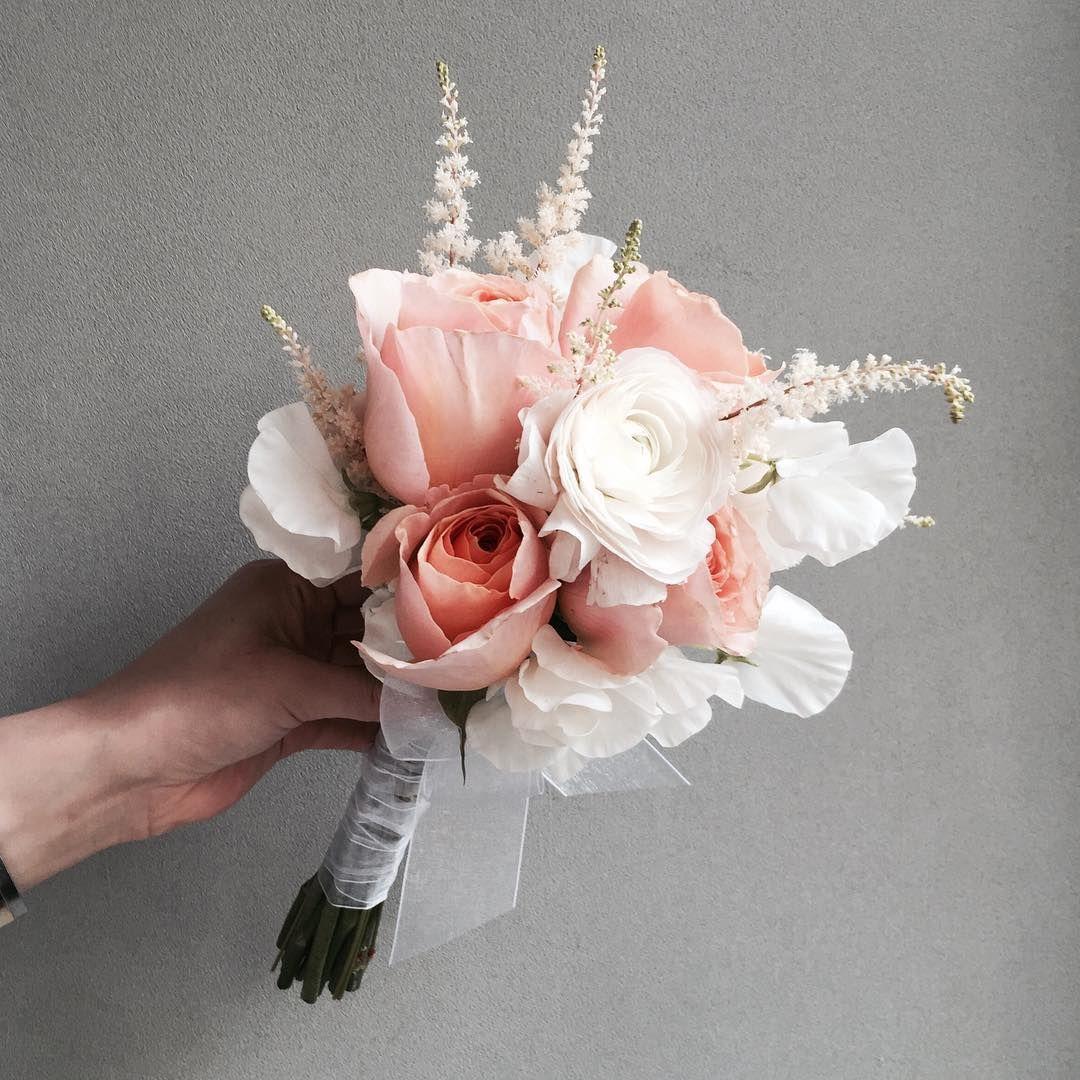 주문 레슨문의 Katalk ID vanessflower52 #vanessflower #vaness #flower #florist #flowershop #handtied #flowergram #flowerlesson #flowerclass #바네스 #플라워 #바네스플라워 #플라워카페 #플로리스트 #꽃다발 #부케 #원데이클래스 #플로리스트학원 #화훼장식기능사 #플라워레슨 #플라워아카데미 #꽃스타그램 . . #부케 #bouquet . . 굿밤되세요