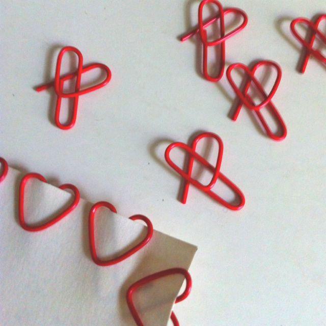 DIY paperclip hearts