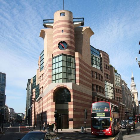 Postmodern Architecture No 1 Poultry London By James Stirling London Architecture Building British Architecture