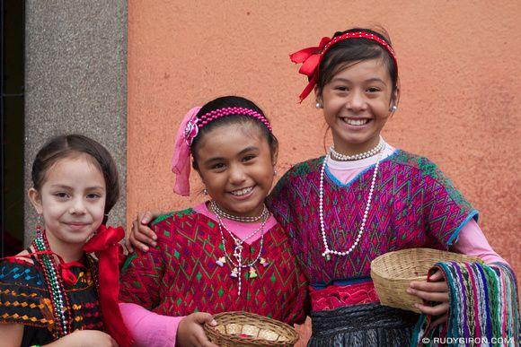 Hablé con los niños de Guatemala.  Las chicas estaban muy cansadas.