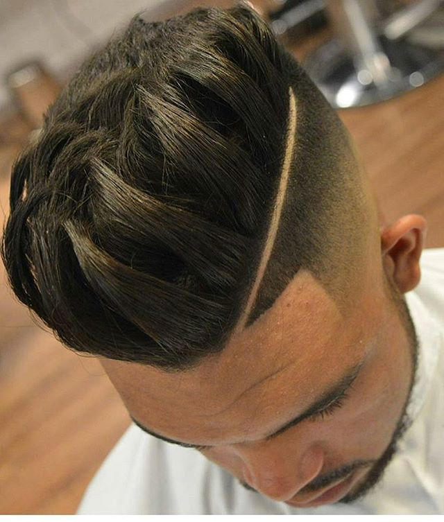 @Ratemycuts GOING LIVE Monday the 23rd .  LIVE BARBER BATTLE  weekly prices . Follow @RATEMYCUTS & hashtag #RATEMYCUTS for a chance to win .  Haircut by @raphaelbarber