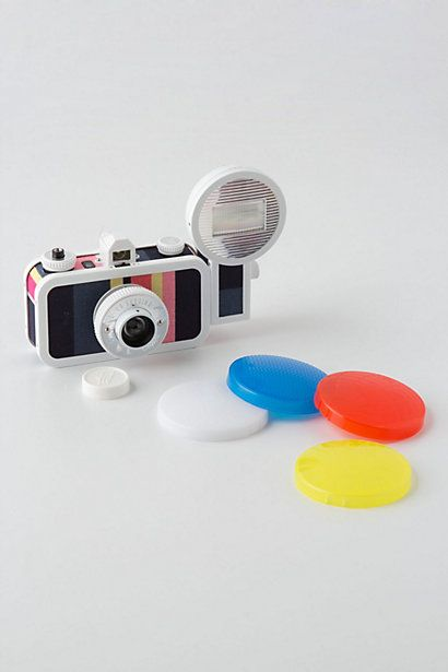 Le Sardina 35mm camera includes 89 degree wide angle lens and bulb setting for long exposure. Awesome hipster gear. $108