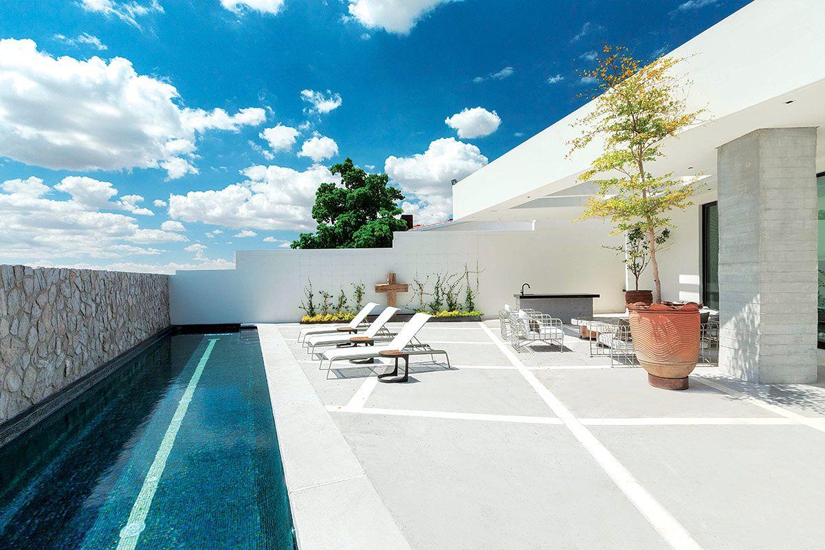 Casa moderna en hermosillo elementos galer as de fotos for Fachadas de casas modernas en hermosillo