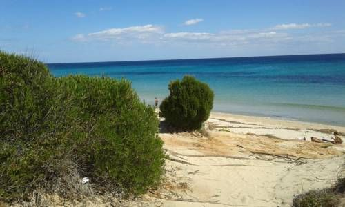 Sea Dream Eden Rock Domus de Maria Located in Santa Margherita di Pula, Sea Dream Eden Rock offers self-catering accommodation with free WiFi. The property boasts views of the sea and is 37 km from Cagliari. Free private parking is available on site.