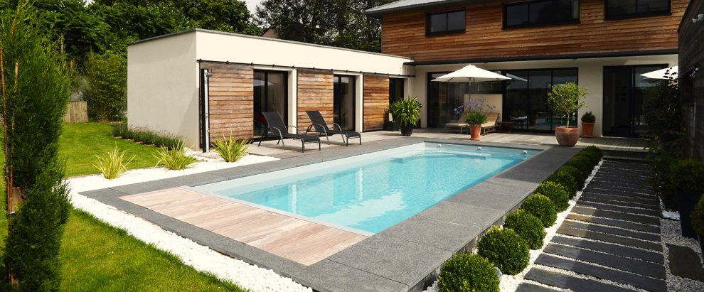 Amenager autour piscine dalles pierres piscine pinterest dalle pierre - Amenagement terrasse piscine exterieure ...