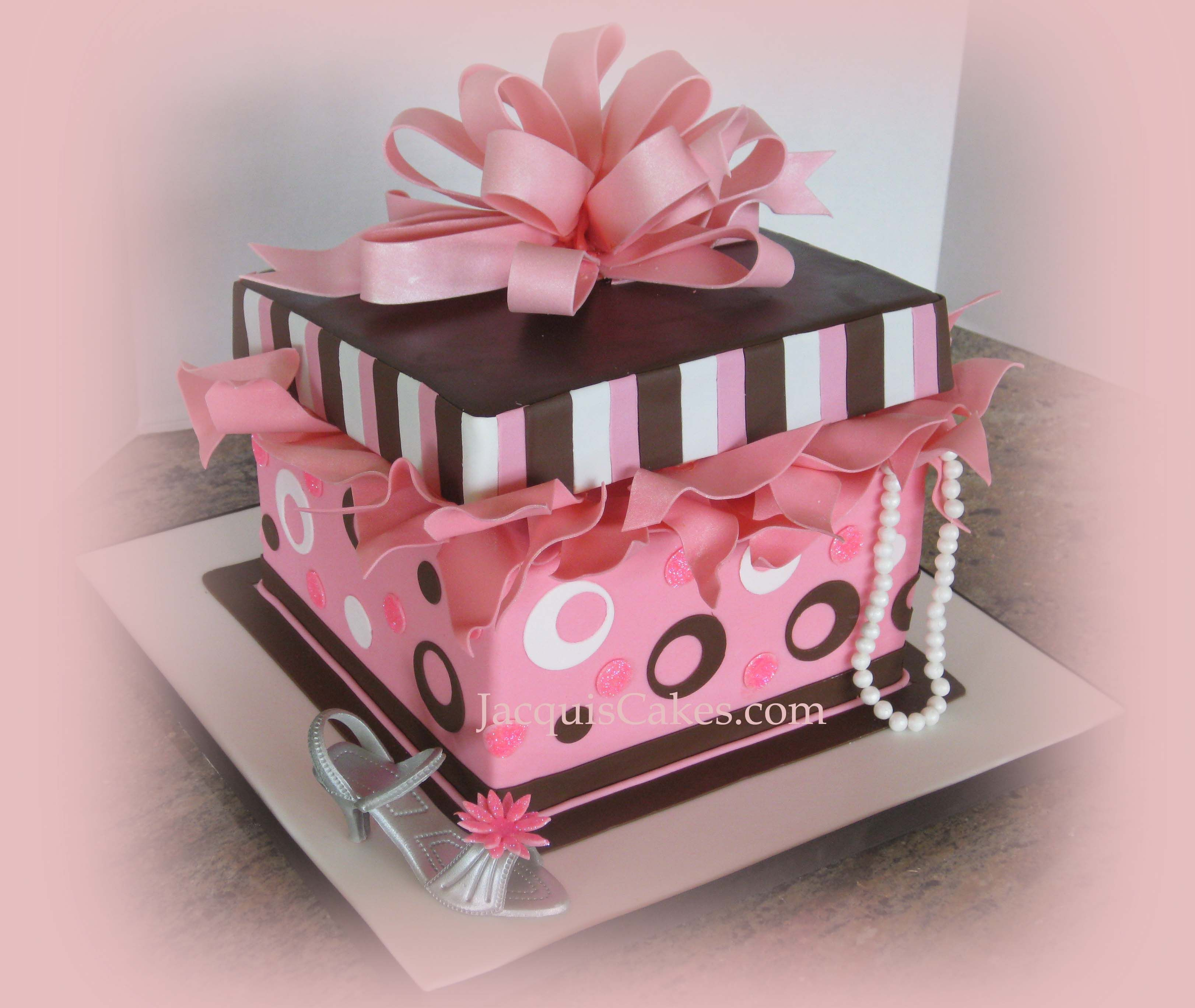 present cakes Pink and Brown Gift Box cake with High