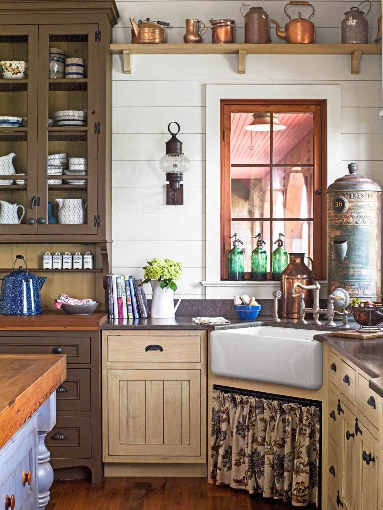 34 Best Vintage Kitchen Decor Ideas And Designs For 2020 Amazing Room Decor Ideas For Sweet Houses In 2020 Interior Design Kitchen New Kitchen Designs Chic Kitchen