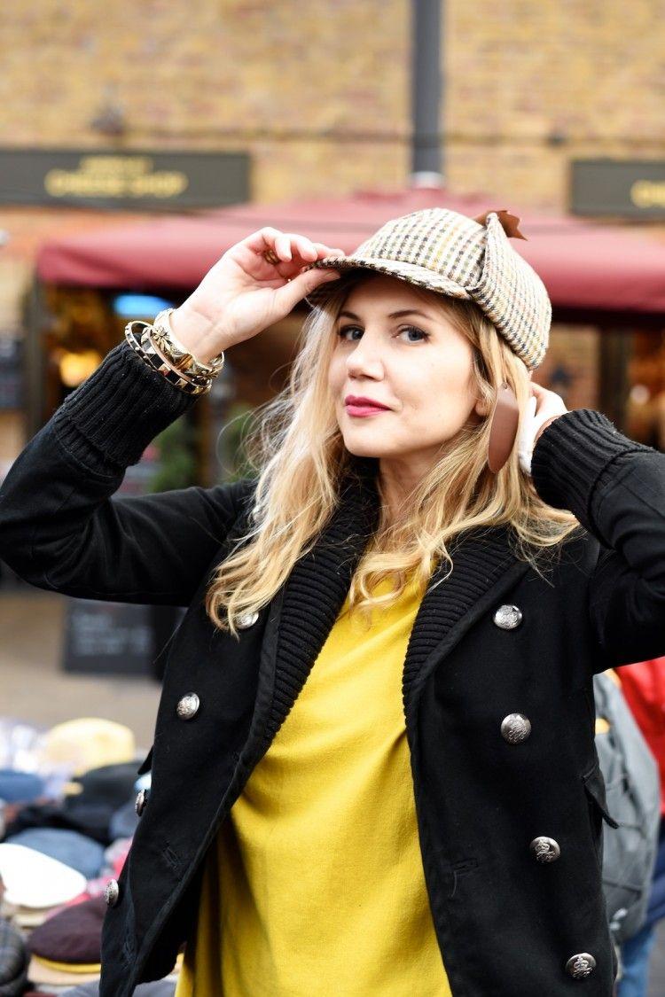 Sherlock Holmes style hat.