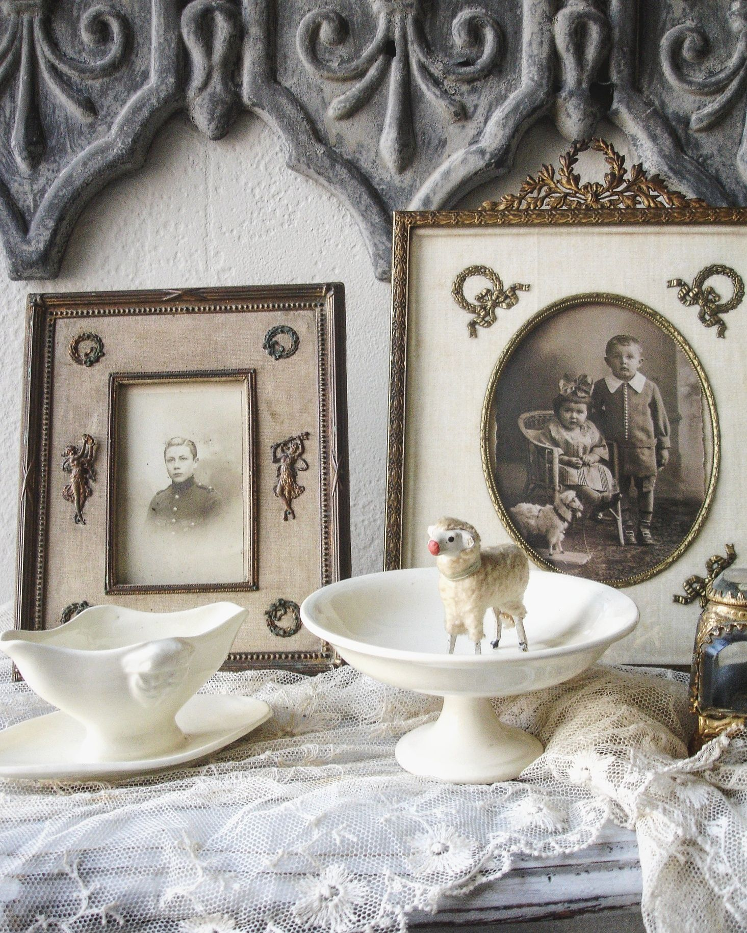 brocante charmante frames frenchframes empire antiqueframe shabby at home brocante. Black Bedroom Furniture Sets. Home Design Ideas