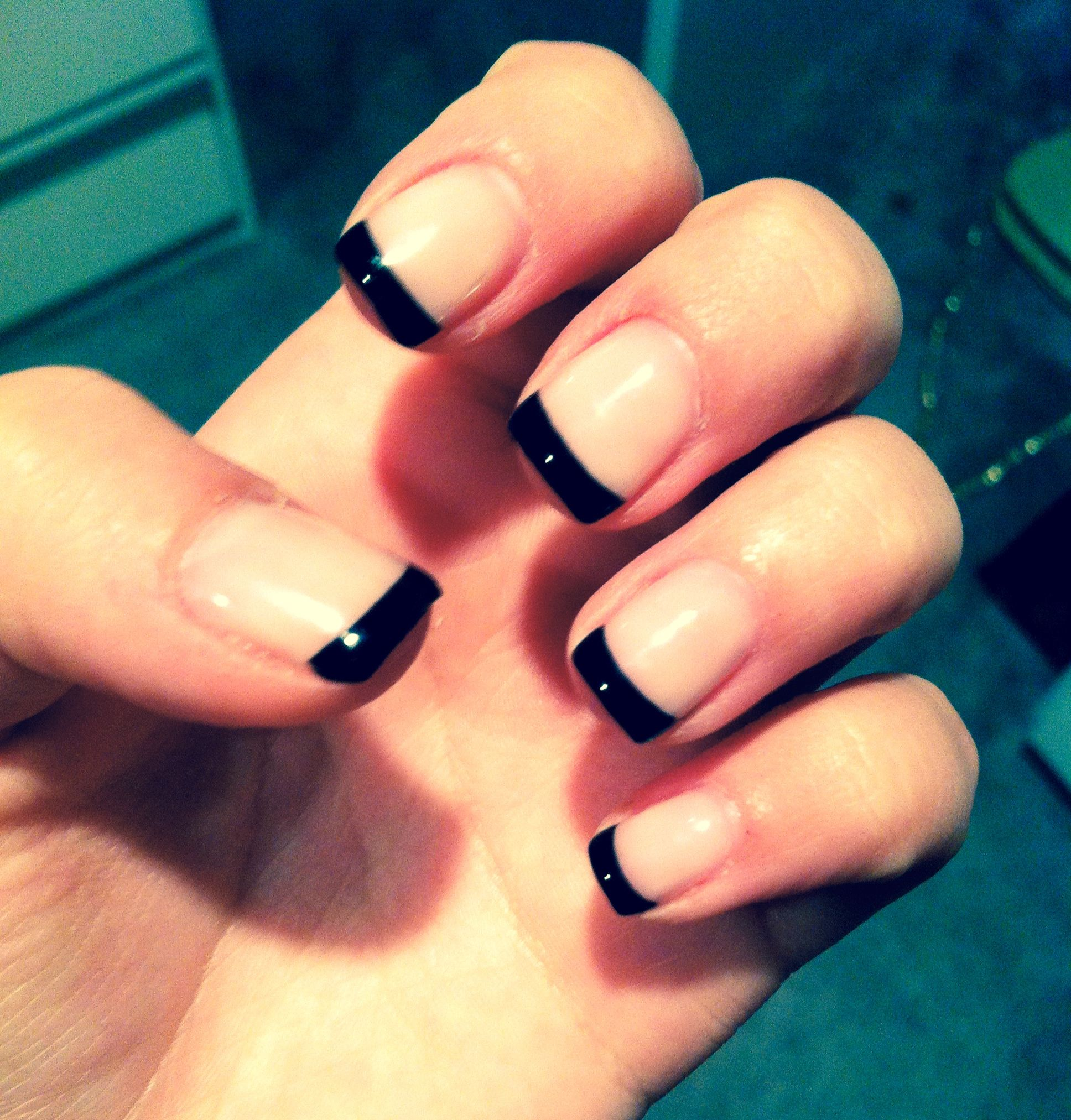 Black French Tip Nails 3
