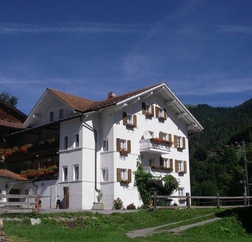 Wander Urlaub mit Hund in der Region Klosters-Davos in der Schweiz