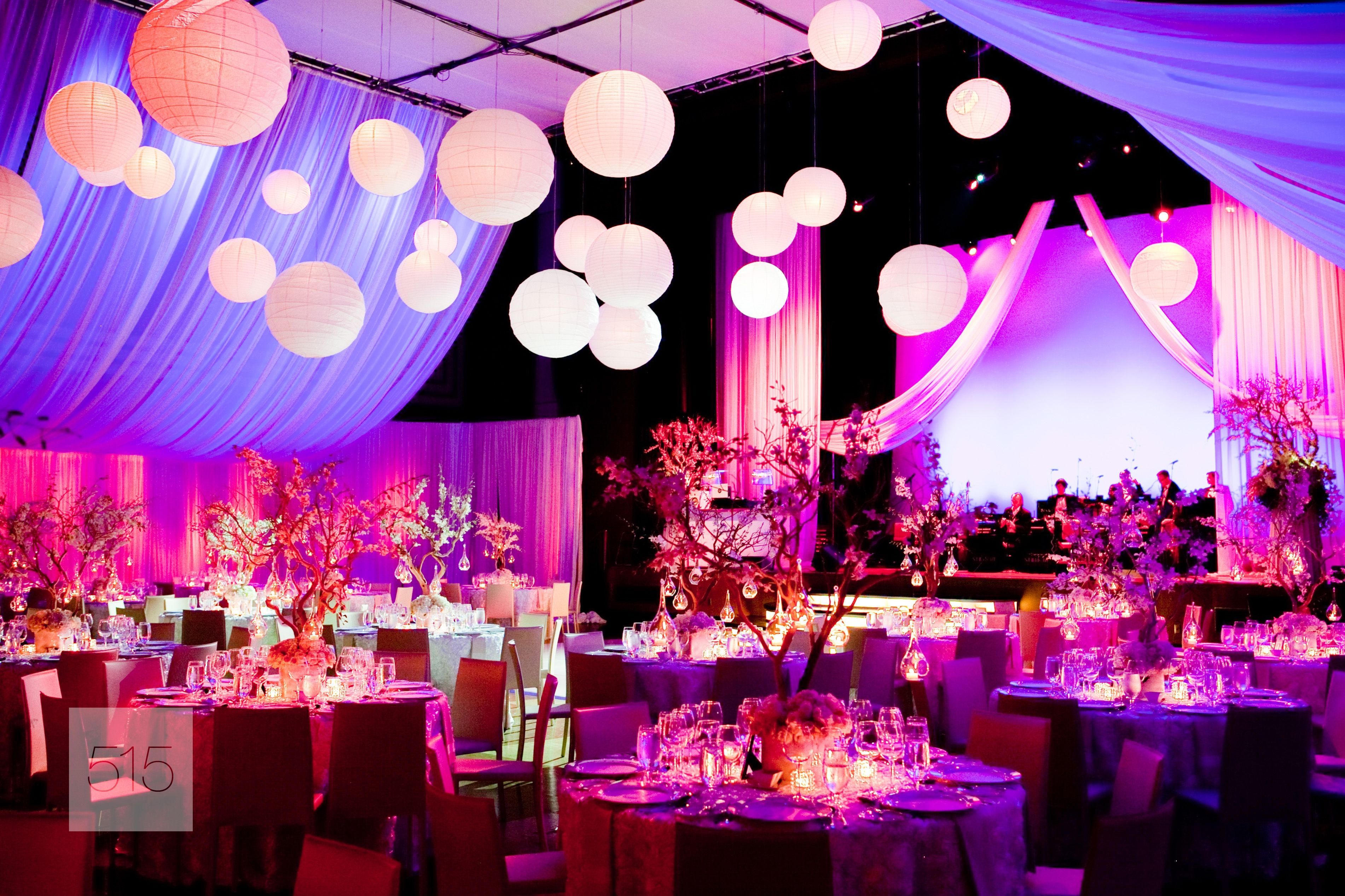 We love this enchanted canopy at the Carlu 515 Photography | niver ...