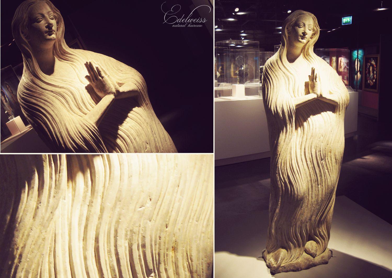 """Journal capillaire d'Edelweiss : Exposition """"Cheveux chéris"""" & reliques de famille..."""