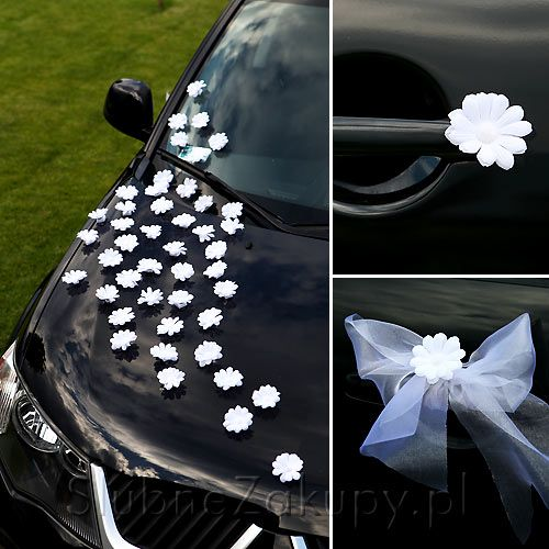 Decorate The Wedding Car With Flowers And Tulle