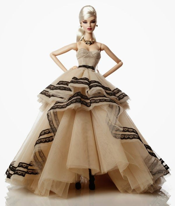 The Fashion Doll Chronicles: A Parisian lady is coming: La Mademoiselle Jolie is the 3rd W Club doll for 2014