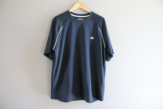 c4b3148a62e1 Adidas T-shirt Adidas Black Tee Pullover Short Sleeves Activewear Oversize  Loose-fit Vintage 90s Siz